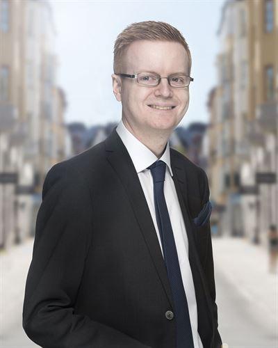 Stefan Karlsson Ansvarig mäklare