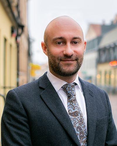 Daniél Holmqvist VD/Fastighetsmäklare