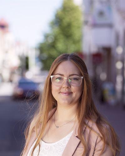Jennifer Hartzell Fastighetsmäklare / Delägare