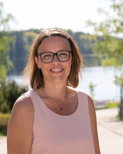Lisa Tuominiemi Assistent