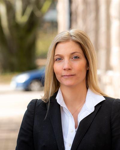 Alexandra Rozsa Mäklarassistent / Kontorsansvarig