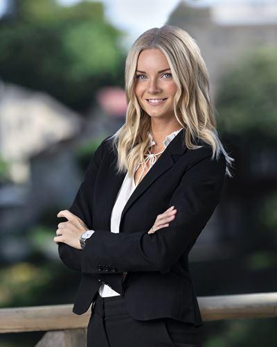 Lina Rönnberger Fastighetsmäklarassistent