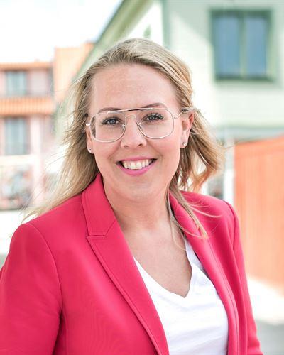 Lina Gustavsson Ansvarig mäklare