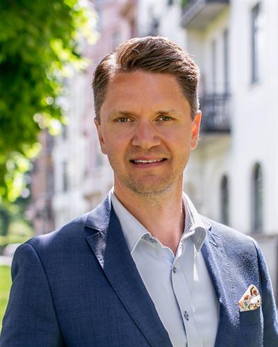 Simon Falke Ansvarig mäklare