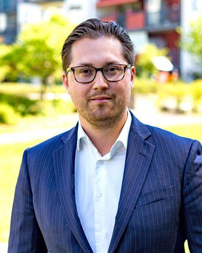 Alexander Häss Ansvarig mäklare