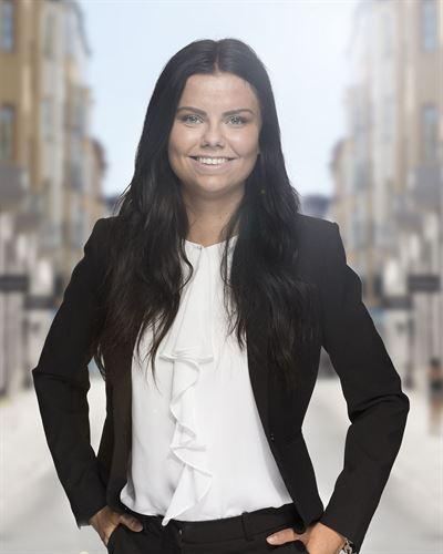 Angelika Karlsson Theander Assisterande mäklare