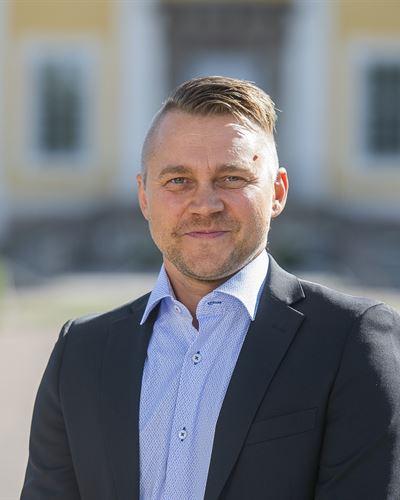 Erik Persson Blivande mäklare