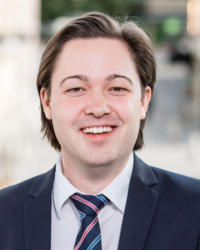 Max Niemi Ansvarig mäklare