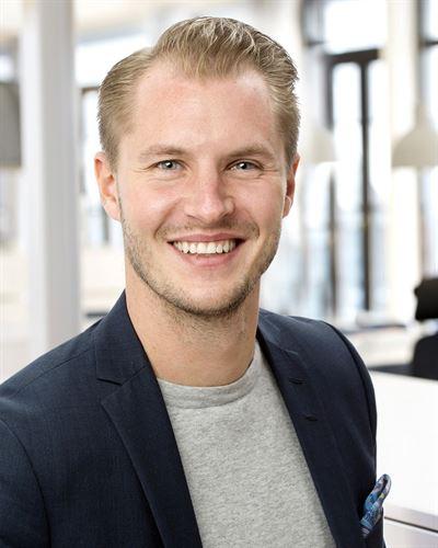 Patrik Granlund Ansvarig mäklare