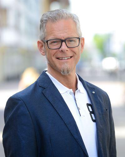 Morgan Holmqvist Assisterande mäklare