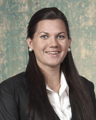 Alexandra Schill Fastighetsmäklare