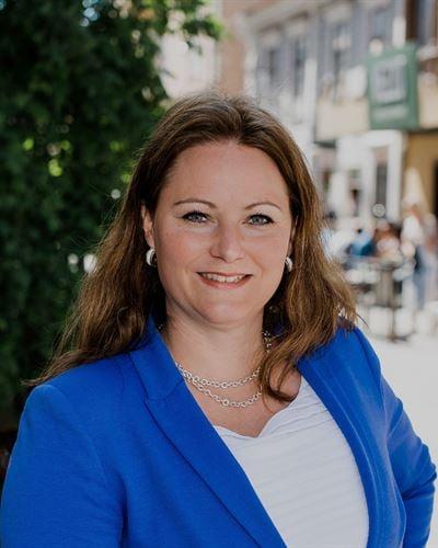 Linda Lydén VD/Fastighetsmäklare