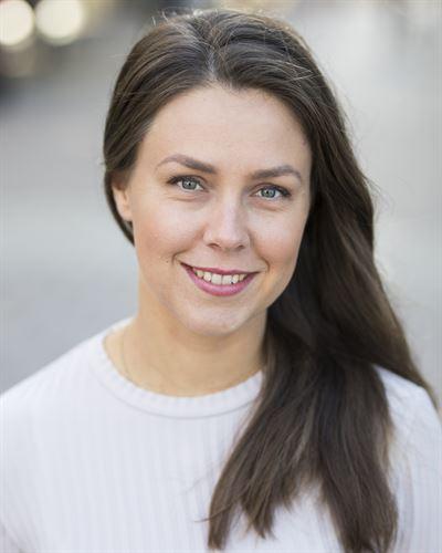 Evelina Kolbäck Fastighetsmäklare
