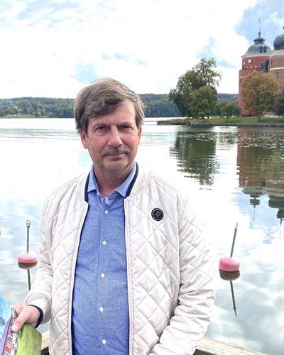 Johan Svärd Ansvarig mäklare