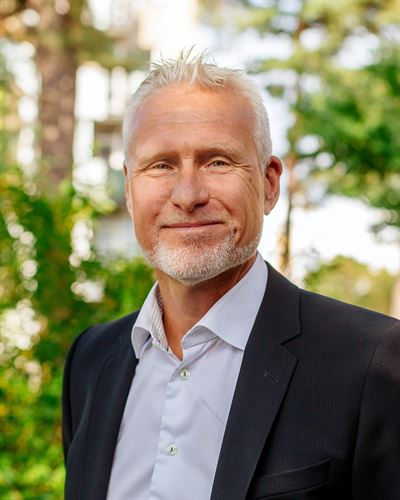 Johan Siönäs Ansvarig mäklare