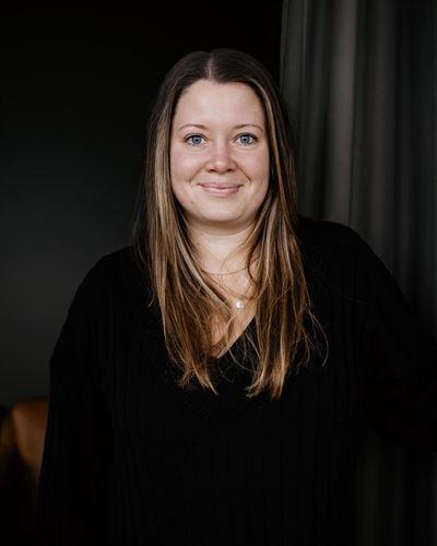 Angelica Johansson Fastighetsmäklare