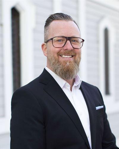 Johan Sjögren Fastighetsmäklare