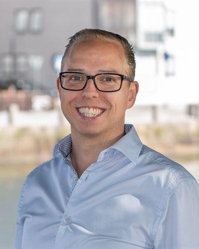 Robert Hultström Ansvarig mäklare