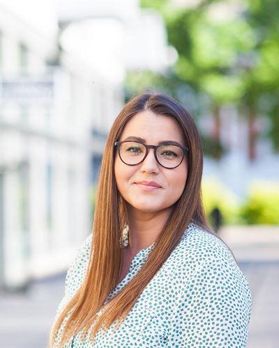 Ivana Madura Ansvarig mäklare