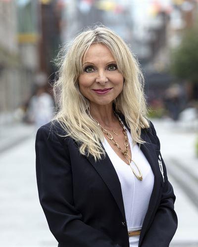 Izabela Nowak Fastighetsmäklare