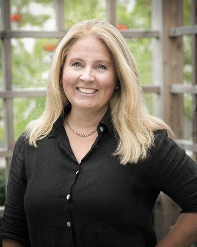Nina Segermalm Fastighetsmäklarassistent