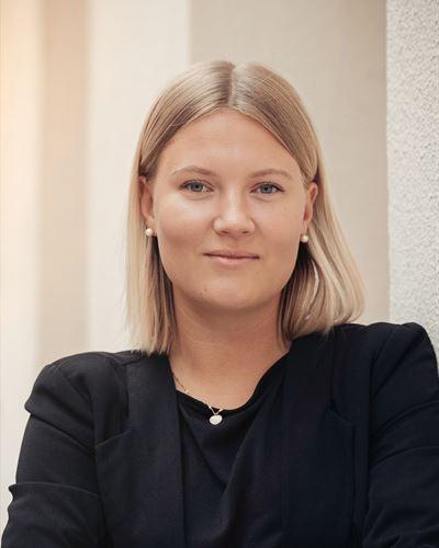 Emelie Jakobsson Assisterande mäklare