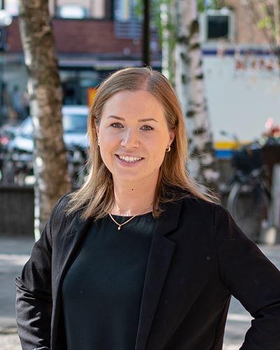 Emelie Persson Fastighetsmäklarassistent