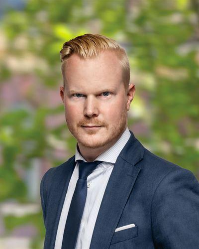 Simon Svedlund Ansvarig mäklare