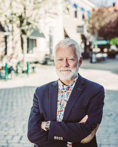 Martin Barne Ansvarig mäklare
