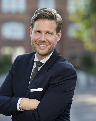 Robin Henning Ansvarig mäklare
