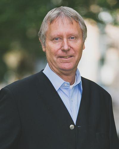 Roger Alm Ansvarig mäklare