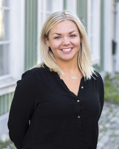 Anna Olsson Fastighetsmäklarassistent