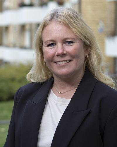 Cecilia Wahlström Mäklarassistent / Kontorsansvarig