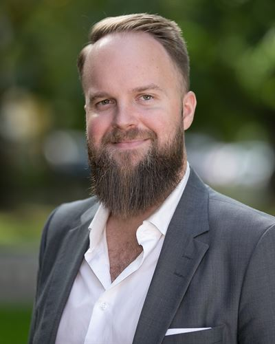Mattias Lindfors Ansvarig mäklare