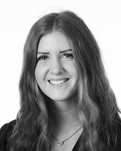 Julia Svensson Mäklare