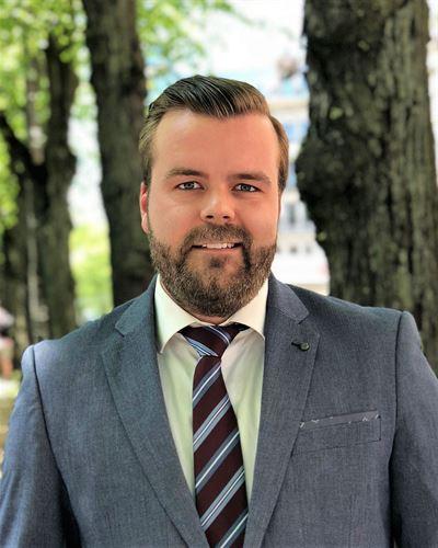 Simon Alerås Assisterande mäklare