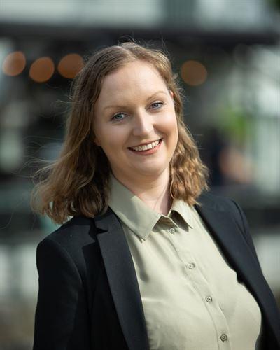 Sara Larsen Ansvarig mäklare