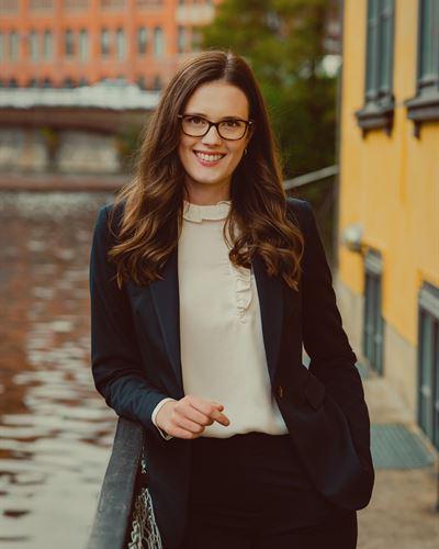 Rebecka Liljegren Assistent