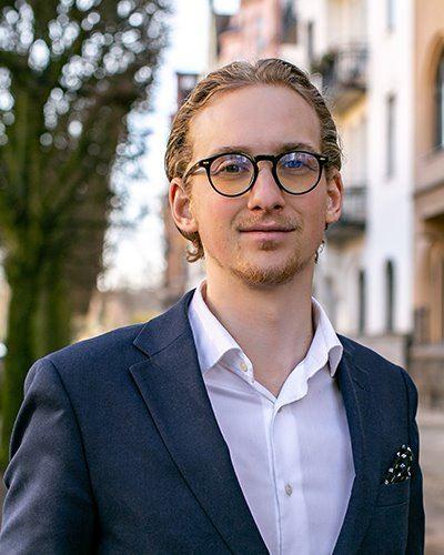 Hugo Jareteg Fastighetsmäklare