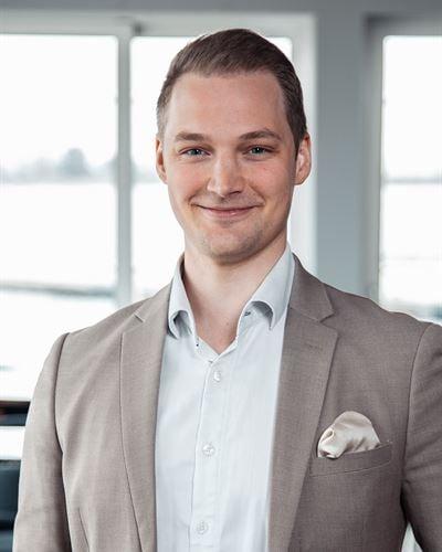 Jonas Johansson Ansvarig mäklare