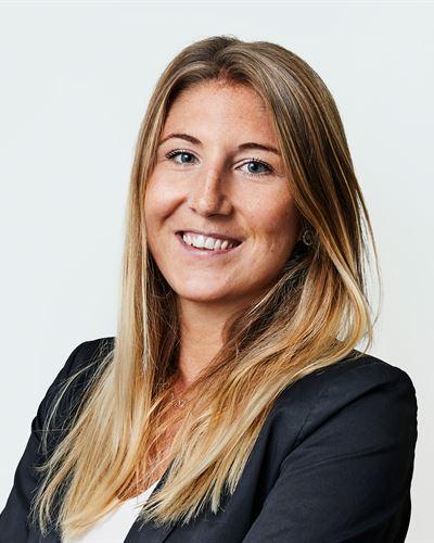 Virginia Svensson Mäklarassistent / Kontorsansvarig