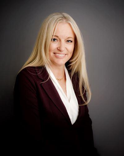 Lisa Almgren Kontorschef / Fastighetsmäklare