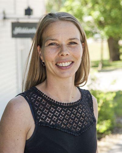 Kamilla Jonsson Fastighetsmäklarassistent