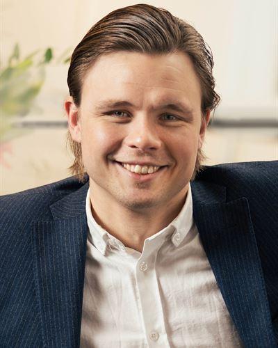Anton Andersson Ansvarig mäklare