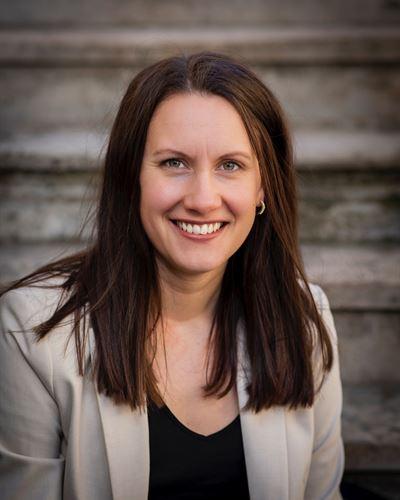 Elinor Olofsson Assisterande mäklare
