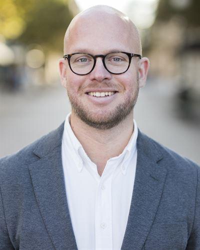 Olle Almqvist Assisterande mäklare