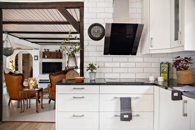 Fina stenbänkar i köket