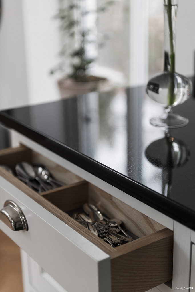Platsbyggt kök, detaljer invändigt