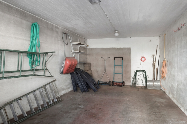 Garage i källarplan