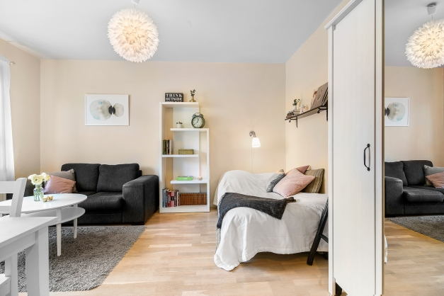 Rum med förvaring i garderob